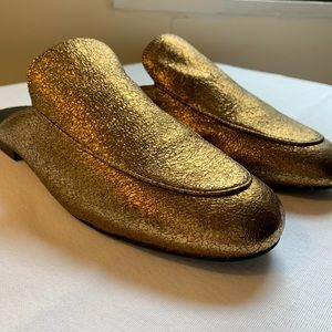 Gold slide Kenneth Cole Loafers. Size 10.